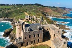 Conseils et Astuces de Voyage sur le site Vos Plus Belles Destinations ; visite du Cap Fréhel et de Fort La Latte.