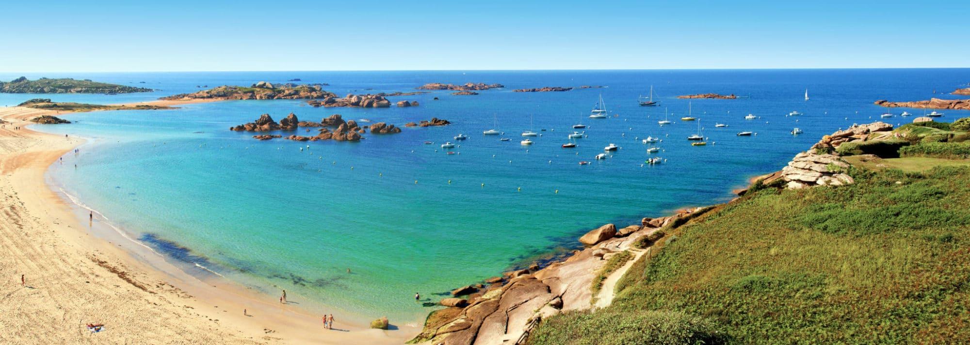 Découvrez nos conseils et nos astuces pour visiter la Bretagne grâce à nos récits d évitages sur notre blog Voyage Vos Plus Belles Destinations - Instagram @MerveillesdeFrance