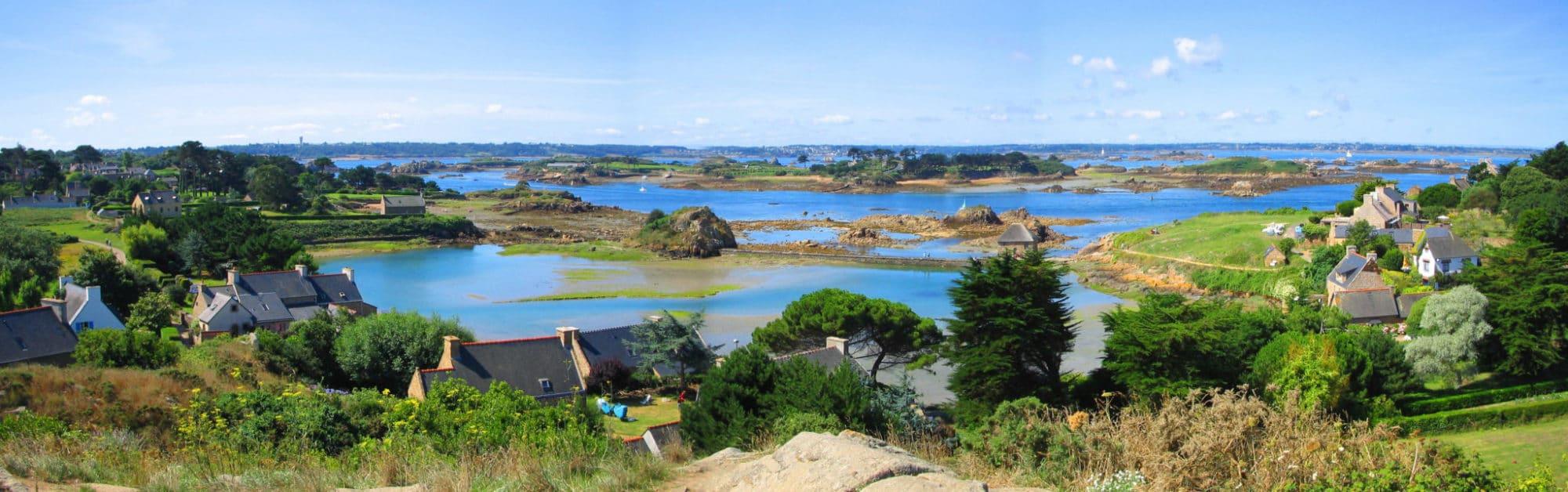 Île de Bréhat - Photo et Panorama - Phare en Bretagne - Découvrez nos conseils et nos astuces pour visiter la Bretagne grâce à nos récits d évitages sur notre blog Voyage Vos Plus Belles Destinations - Instagram @MerveillesdeFrance