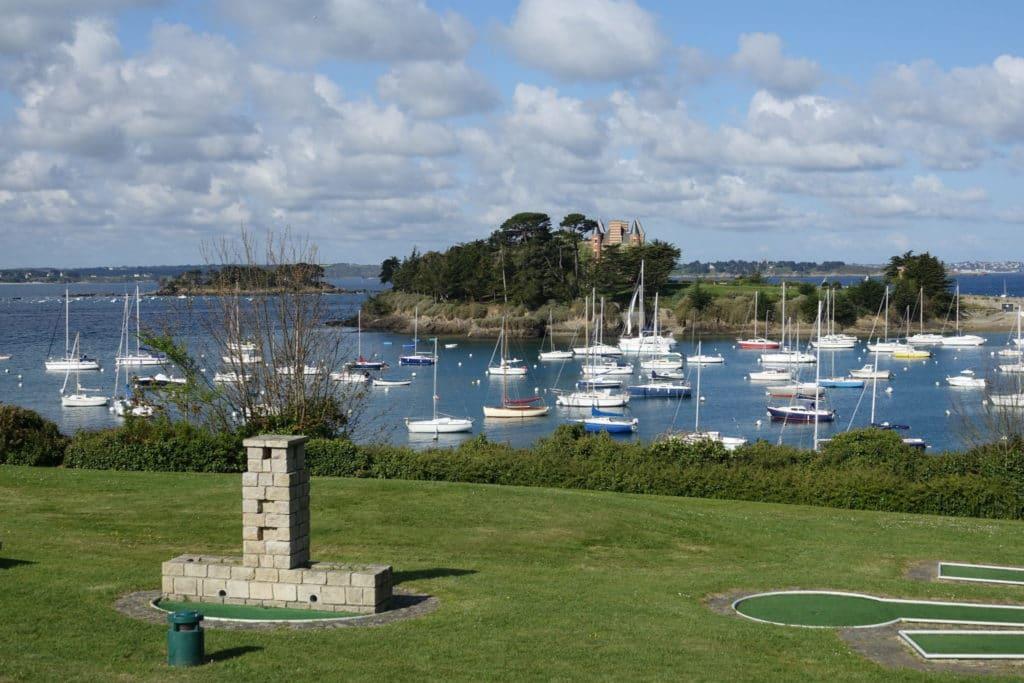 Saint-Briac sur Mer avec le chateau du Nessay- Côte d'Emeraude - Récit de voyage sur le site Vos Plus Belles Destinations